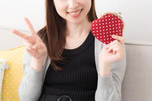 日本人女性の写真素材 [FYI04699012]