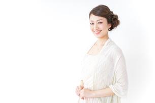 おしゃれ着女性の写真素材 [FYI04701567]