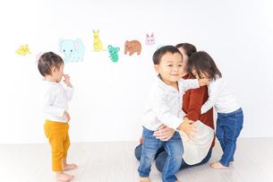 幼稚園イメージの写真素材 [FYI04701774]