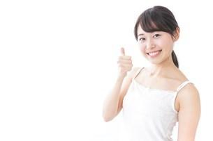 OKジェスチャーをする美容女性の写真素材 [FYI04702011]