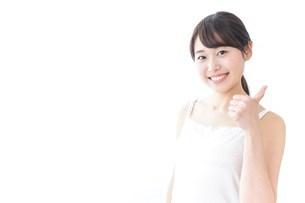 OKジェスチャーをする美容女性の写真素材 [FYI04702012]