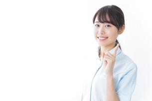 アドバイスをする看護師の写真素材 [FYI04702272]