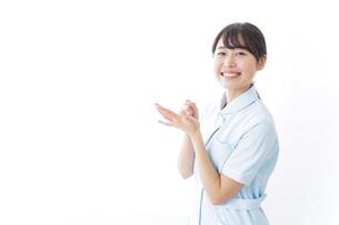 看護師_悩み事_ひらめきの写真素材 [FYI04702344]