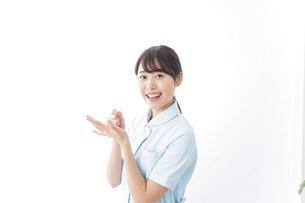 看護師_悩み事_ひらめきの写真素材 [FYI04702346]