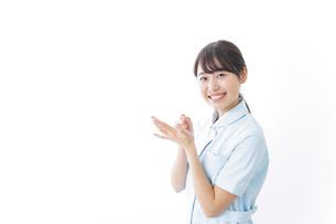 看護師_悩み事_ひらめきの写真素材 [FYI04702349]