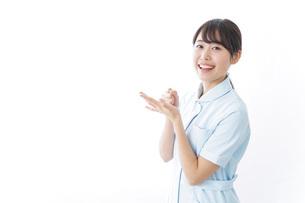 看護師_悩み事_ひらめきの写真素材 [FYI04702353]