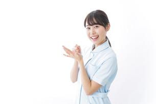 看護師_悩み事_ひらめきの写真素材 [FYI04702354]