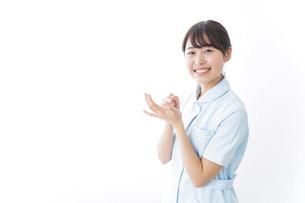 看護師_悩み事_ひらめきの写真素材 [FYI04702358]