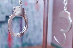 逮捕・刑務所・犯罪イメージの写真素材 [FYI04703102]