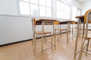 誰もいない学校の教室の写真素材 [FYI04703136]