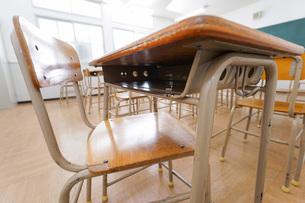 誰もいない学校の教室の写真素材 [FYI04703141]