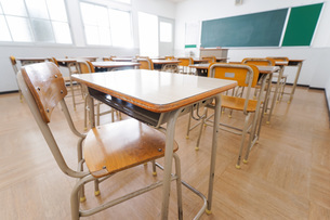 誰もいない学校の教室の写真素材 [FYI04703144]
