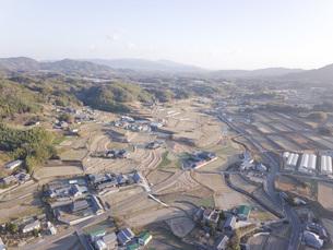 日本の田園風景ドローン撮影・淡路島の写真素材 [FYI04703553]
