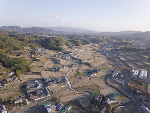 日本の田園風景ドローン撮影・淡路島の写真素材 [FYI04703556]