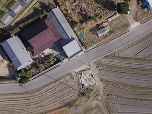 日本の田園風景ドローン撮影・淡路島の写真素材 [FYI04703575]
