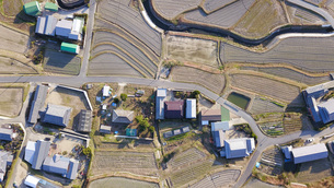 日本の田園風景ドローン撮影・淡路島の写真素材 [FYI04703581]