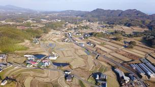 日本の田園風景ドローン撮影・淡路島の写真素材 [FYI04703589]