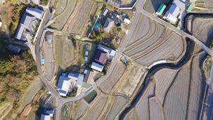 日本の田園風景ドローン撮影・淡路島の写真素材 [FYI04703601]