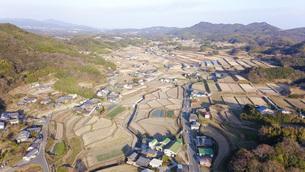日本の田園風景ドローン撮影・淡路島の写真素材 [FYI04703609]