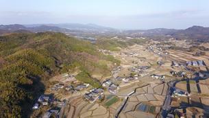 日本の田園風景ドローン撮影・淡路島の写真素材 [FYI04703613]