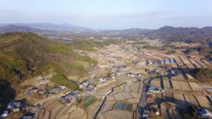 日本の田園風景ドローン撮影・淡路島の写真素材 [FYI04703615]