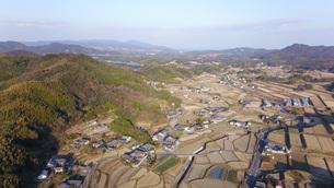 日本の田園風景ドローン撮影・淡路島の写真素材 [FYI04703617]