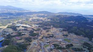 日本の田舎風景・ドローン撮影の写真素材 [FYI04703621]