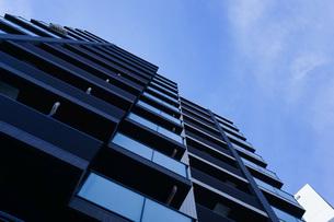 高層ビル・タワーマンションの写真素材 [FYI04703641]