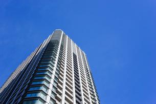高層ビル・タワーマンションの写真素材 [FYI04703643]