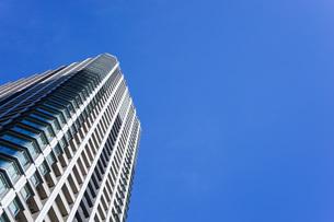 高層ビル・タワーマンションの写真素材 [FYI04703646]