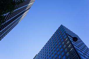 高層ビル・タワーマンションの写真素材 [FYI04703654]