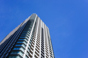 高層ビル・タワーマンションの写真素材 [FYI04703656]