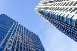 高層ビル・タワーマンションの写真素材 [FYI04703668]