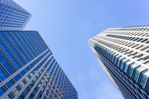高層ビル・タワーマンションの写真素材 [FYI04703669]