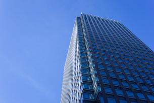 高層ビル・タワーマンションの写真素材 [FYI04703671]