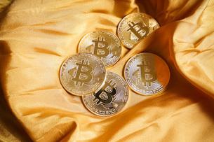 仮想通貨・ビットコインイメージの写真素材 [FYI04703686]