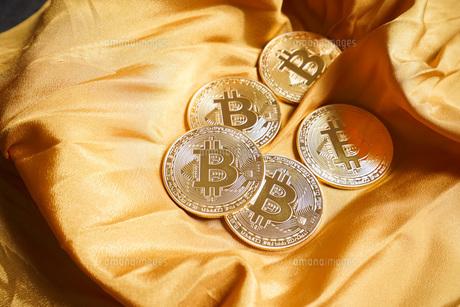 仮想通貨・ビットコインイメージの写真素材 [FYI04703689]