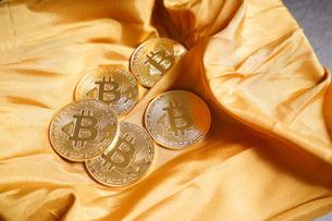 仮想通貨・ビットコインイメージの写真素材 [FYI04703690]