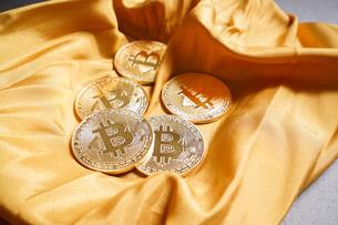 仮想通貨・ビットコインイメージの写真素材 [FYI04703692]