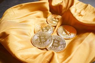仮想通貨・ビットコインイメージの写真素材 [FYI04703693]