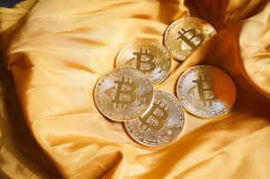 仮想通貨・ビットコインイメージの写真素材 [FYI04703695]
