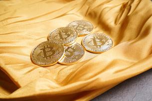 仮想通貨・ビットコインイメージの写真素材 [FYI04703699]