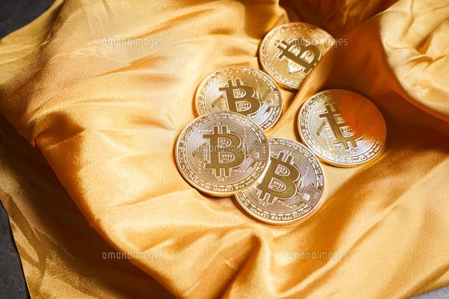 仮想通貨・ビットコインイメージの写真素材 [FYI04703703]