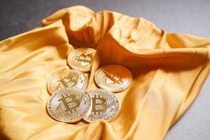 仮想通貨・ビットコインイメージの写真素材 [FYI04703705]
