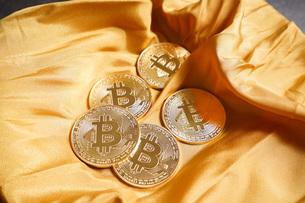 仮想通貨・ビットコインイメージの写真素材 [FYI04703707]
