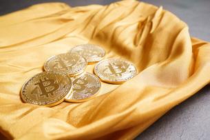 仮想通貨・ビットコインイメージの写真素材 [FYI04703708]