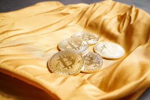 仮想通貨・ビットコインイメージの写真素材 [FYI04703710]