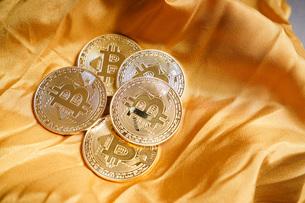 仮想通貨・ビットコインイメージの写真素材 [FYI04703714]