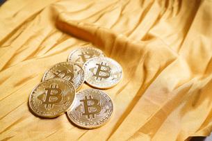 仮想通貨・ビットコインイメージの写真素材 [FYI04703718]