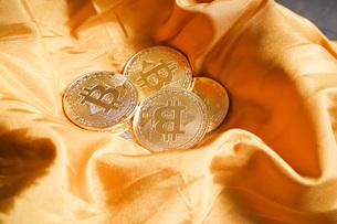 仮想通貨・ビットコインイメージの写真素材 [FYI04703719]
